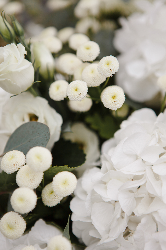 white flowers wedding in amalfi coast