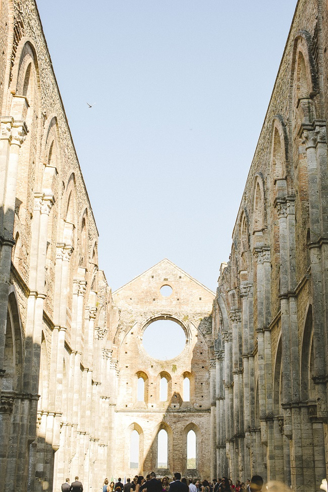 san-galgano-abbey-wedding-tuscany